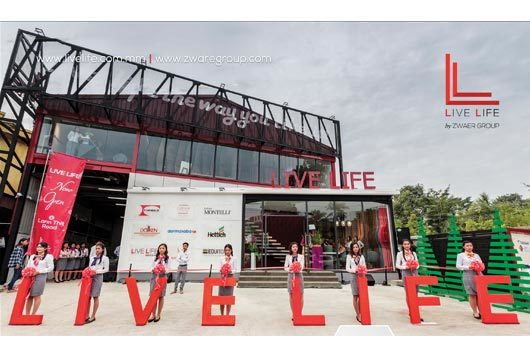 Live-LIfe-Photo1.jpg