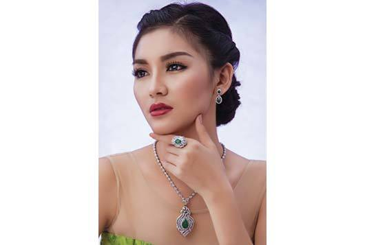 Yadanar-Maung_Photo.jpg
